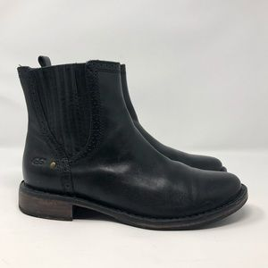 Ugg Black Leather Chelsea Boots Size: 8.5